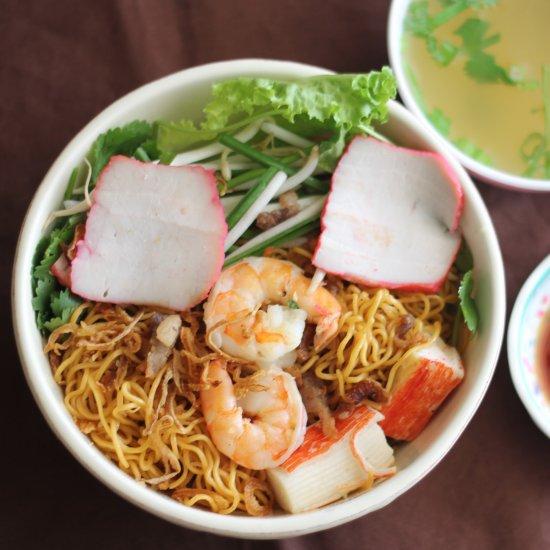 mi kho tom thit (dry egg noodles) | foodgawker