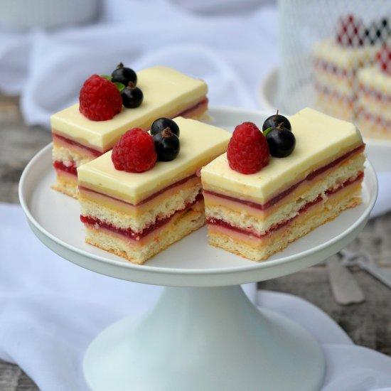 Easy Vanilla Mousse Cake