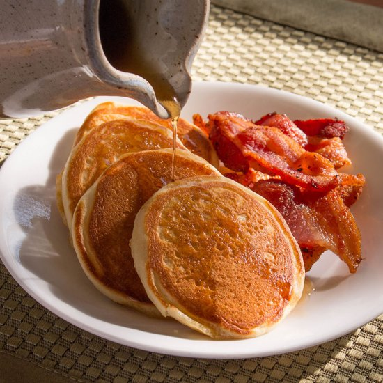 Maple Vanilla Buttermilk Pancakes