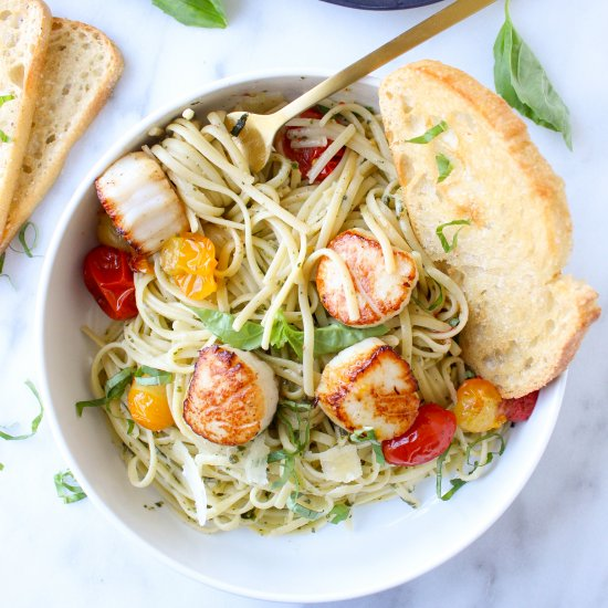 Pesto Linguine with Scallops