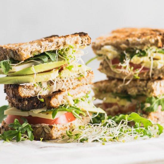 Healthy Hummus Veggie Sandwich
